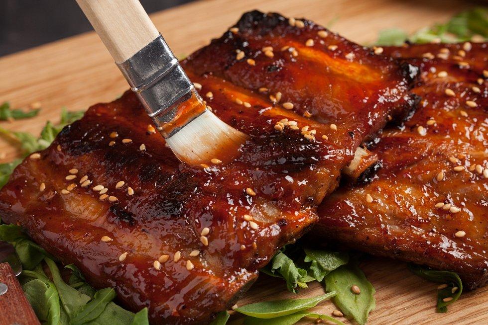 Uzená žebra s barbecue omáčkou