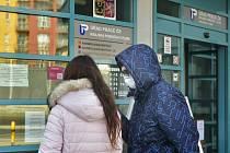 Úřad práce v Plzni měl 25. března 2020 omezený provoz kvůli opatření proti šíření koronaviru