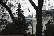 Pohled na ruskou ambasádu v Praze