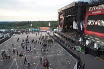 Německý festival festival Rock am Ring byl přerušen kvůli hrozbě teroristického útoku.