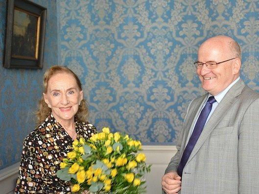 Ministr Daniel Herman dnes v Nostickém paláci přijal českou herečku a operní pěvkyni Soňu Červenou.