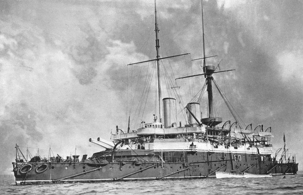 Válečná loď Anson, jejíž podvodní kloun se stal Utopii osudným