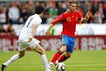 Španěl Ramos se vydává do korejské obranné hráze.