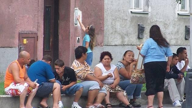 Přerovský magistrát přilísbil, že policejní hlídky v romské čtvrti budou častější. Ilustrační foto.