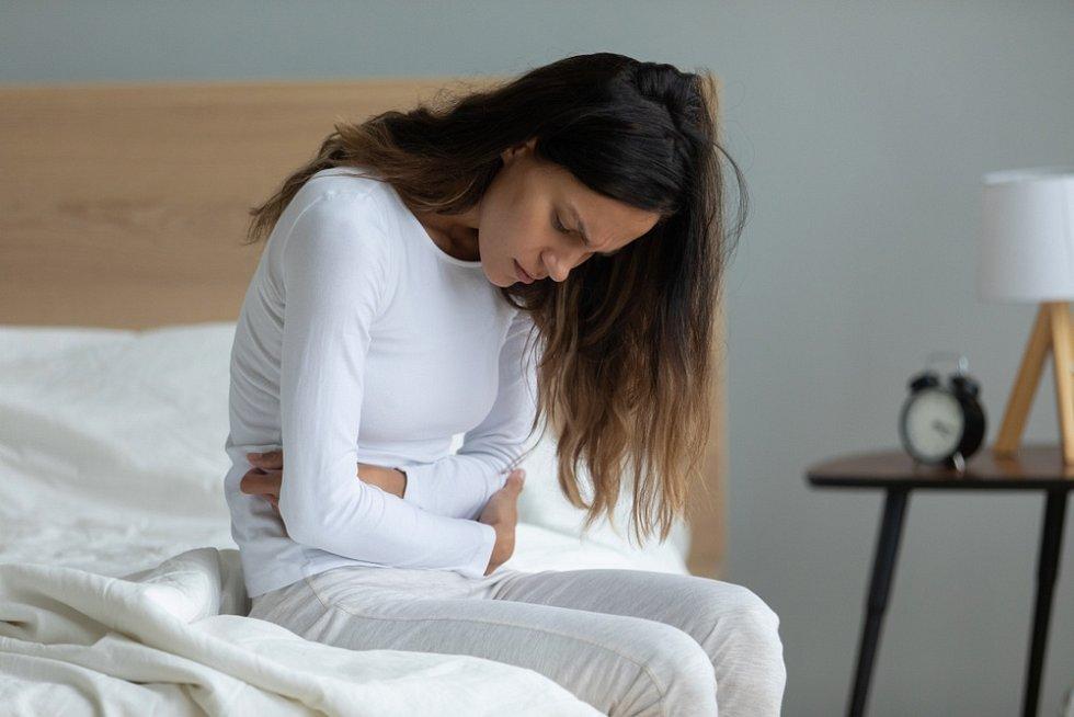 Nemocným ulcerózní kolitidou pomáhá biologická léčba, která byla ještě před pár lety velmi drahá, a tedy pro část potřebných zcela nedostupná.