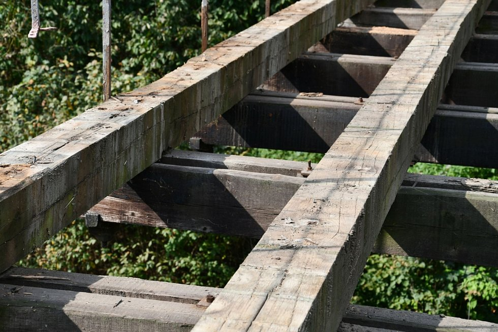 Stádlecký most prochází opravou.