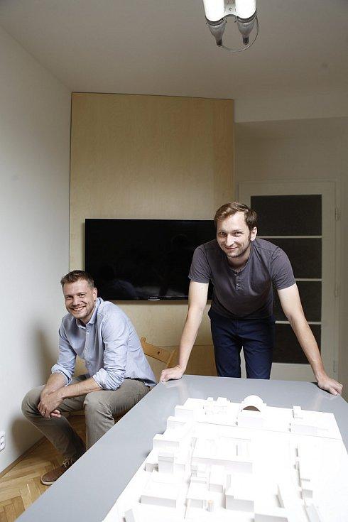 Studio Archport - architekti Vojtěch Hybler (na fotce vlevo) a David Dvořák