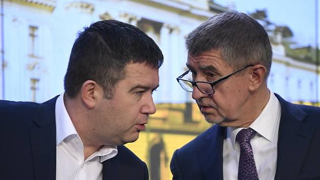 Ministr vnitra Jan Hamáček a premiér Andrej Babiš.