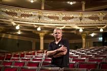 Ředitel Hudebního divadla Karlín Egon Kulhánek.