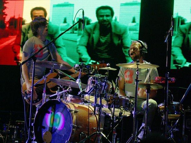 Koncerty Tata Bojs jsou vždy hudebně i vizuálně nadupané...