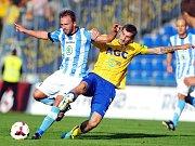 Jan Štrohanzl z FK Mladá Boleslav (vlevo) a Admir Ljevakovič z FK Teplice.
