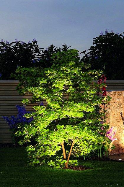 Osvětlení zahrady.