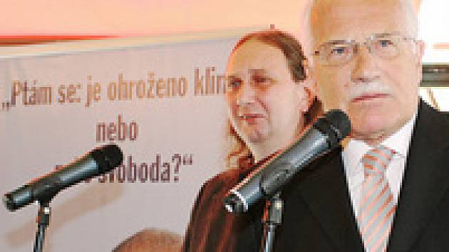 Prezident v kavárně Slavia: To je moje kniha