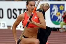 Jelena Isinbajevová dál usiluje o milionový jackpot z atletické Zlaté ligy.