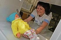 Asi dvouměsíčního zdravého chlapce odložil v pondělí někdo do babyboxu v Masarykově nemocnici v Ústí nad Labem. Je to již 30. dítě zachráněné v babyboxu.