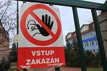 Do objektů je vstup zakázán.
