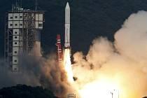 Ze základny na jihu Japonska dnes úspěšně odstartovala raketa Epsilon, která nese na oběžnou dráhu teleskop pro studium atmosféry blízkých planet.