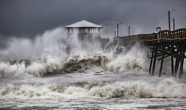 Hurikán Florence způsobil na východním pobřeží USA záplavy