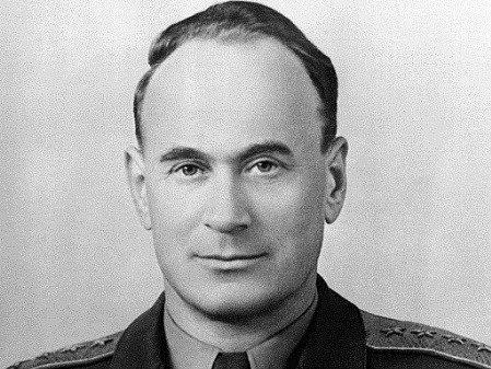 Serov (1905–1990) patřil ke klíčovým osobnostem sovětských tajných služeb po druhé světové válce.
