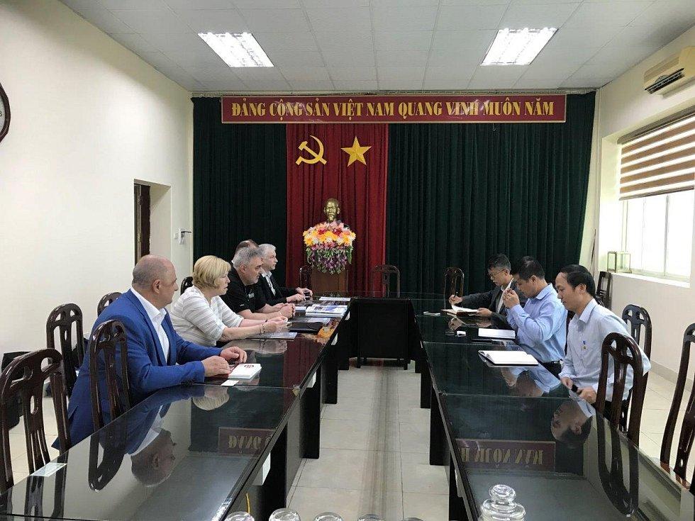 Jednání ve Vietnamu