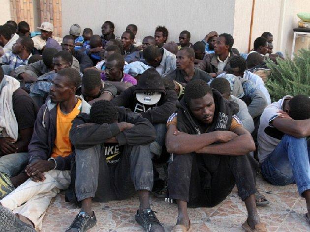 V Libyi čeká na 800.000 uprchlíků, kteří se chtějí dostat do Evropy.