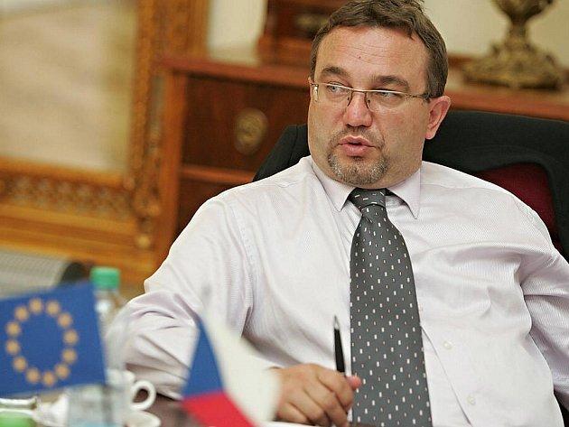 Státní maturity odstartují ve školním roce 2010/2011, letos v říjnu bude generálka. Ve středu o tom rozhodla vláda na doporučení ministra školství Josefa Dobeše (VV).
