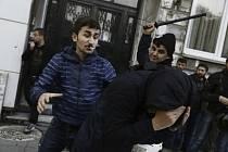 Potírání Kurdů v Turecku