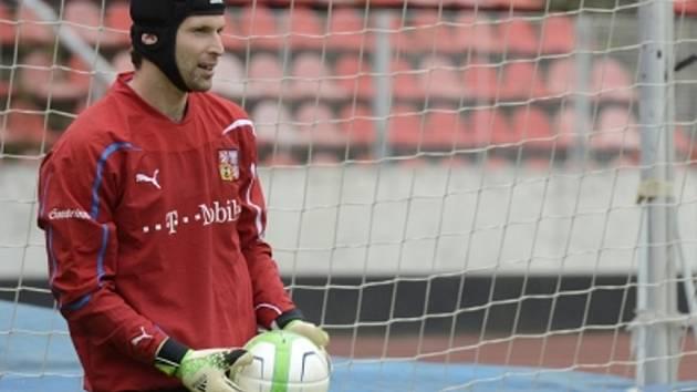 Petr Čech při tréninku na Maltě.