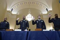 Ctveřice policistů, která chránila sídlo zákonodárného sboru 6. ledna při útoku příznivců tehdejšího prezidenta Donalda Trumpa