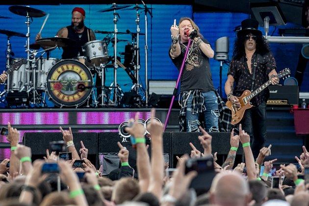 Americká hudební skupina Guns N' Roses vystoupila 4. července v Praze. Na snímku je zpěvák Axl Rose.