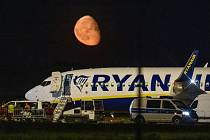Letadlo společnosti Ryanair po nouzovém přistání v Berlíně