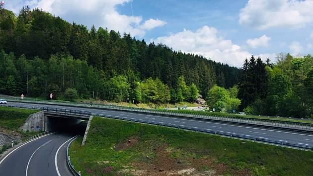 Křižovatka silnic I/35 a I/65 Rádelský mlýn.