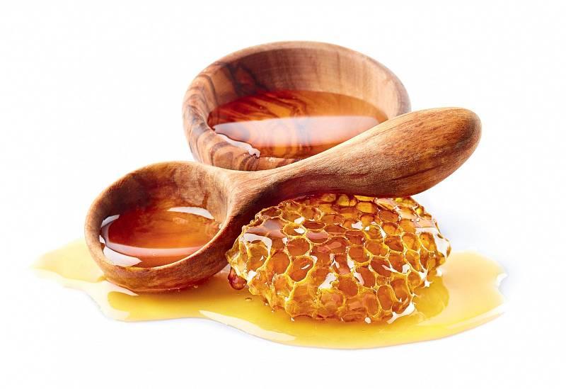 Organické látky v medu se zničí při teplotě vyšší než 42 °C, proto si čaj slaďte až zchladlý.