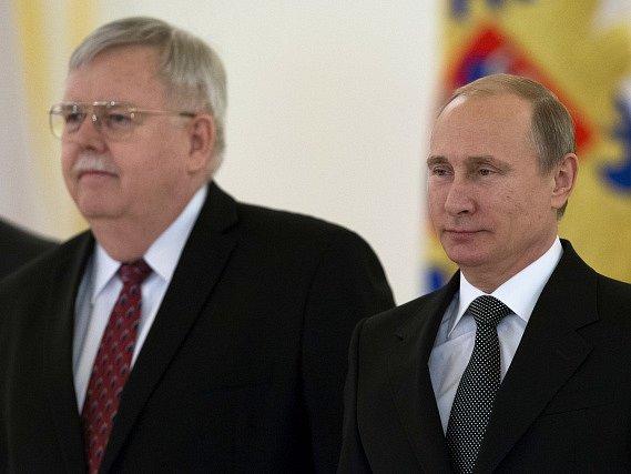 John Tefft a Vladimír Putin, ilustrační foto.