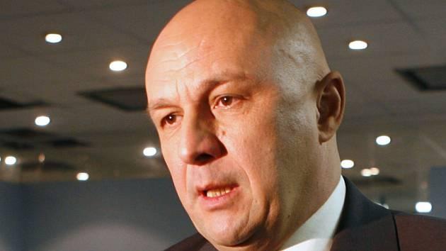 Ministr zdravotnictví Tomáš Julínek tvrdě kritizoval koaliční smlouvu, kterou na jižní Moravě uzavřely ČSSD a ODS
