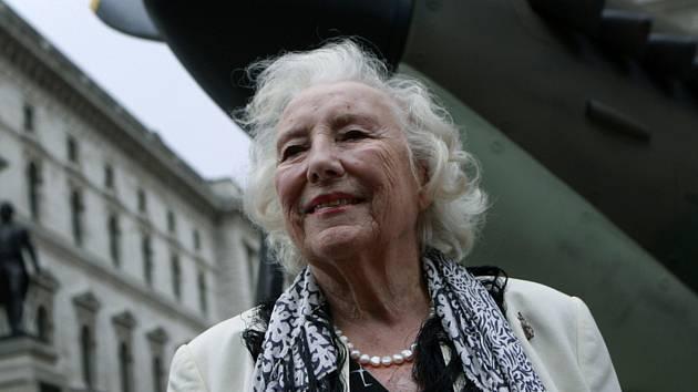 Britská zpěvačka Vera Lynnová