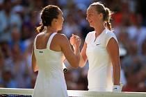 Šestý den Wimbledonu: Gratulace u sítě, Petra Kvitová odešla poražena