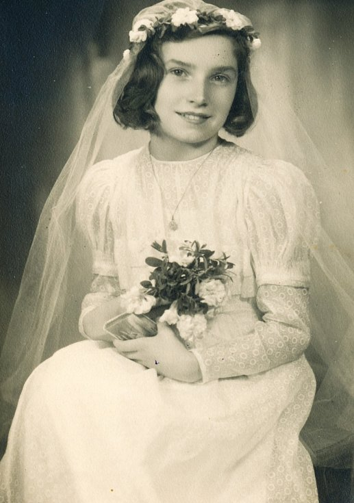 Bibiana Szulc 1. přijímání cca 1942-1943