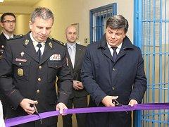 V pondělí byl otevřený objekt věznice v břeclavské části Poštorná. Její kapacita je 200 osob, do konce listopadu tam bude umístěných prvních dvacet vězňů.