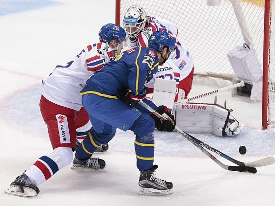 Česko - Švédsko: Pavel Francouz proti Lucasi Wallmarkovi