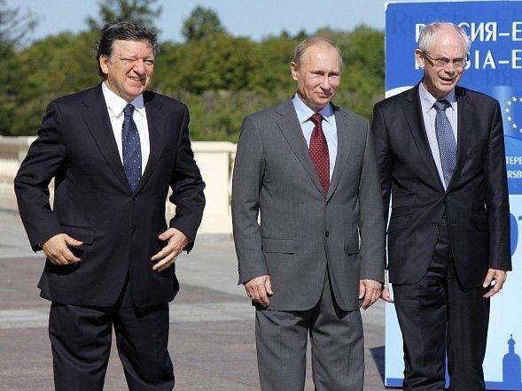 Manuel Barroso, Vladimír Putin a Herman Van Rompuy na summitu Ruska a EU v Petrohradu