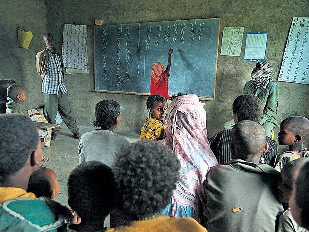 Škola v Albě je jednou ze sedmi, které během posledních let vyrostly za sbírkové peníze v okolí metropole státu Jižních národů Awasy.