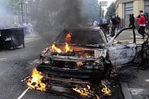 Pouliční nepokoje v Británii