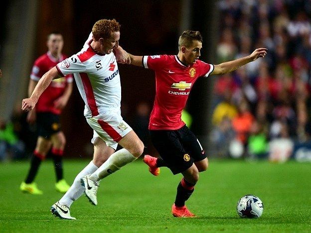 Adnan Januzaj (vpravo) se neprosadil, Manchester United prohrál