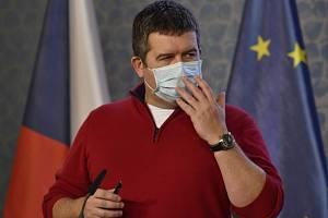 Předseda Ústředního krizového štábu a vicepremiér Jan Hamáček (ČSSD)