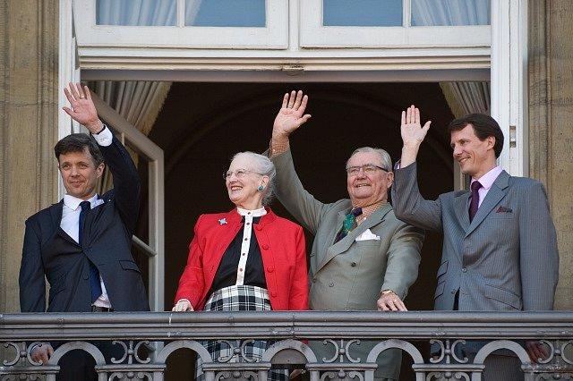 Princ Henrik a královna Margrethe se svými syny