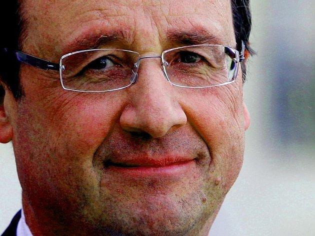 François Hollande je po roce vlády nejméně oblíbeným francouzským prezidentem za třicet let.