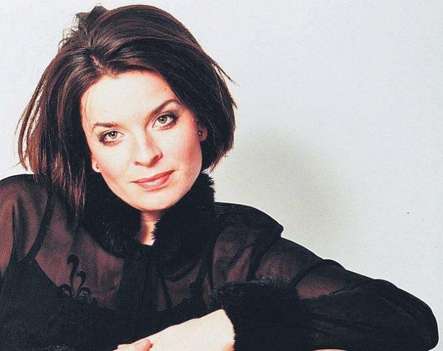 Jitka Čechová je pravidelně zvána na velké hudební scény i festivaly a spolupracuje s významnými orchestry doma i ve světě.