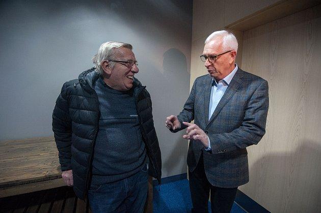 Den sprezidentským kandidátem Jiřím Drahošem na debatě vhotelu Park Inn by Radisson Ostrava, 14.prosince vOstravě.