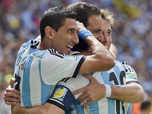 Argentina - Belgie: Radost po Higuaínově trefě